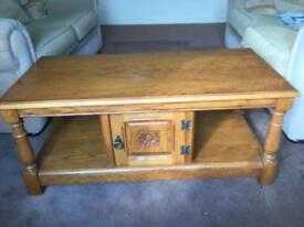 Old Charm solid light oak coffee table
