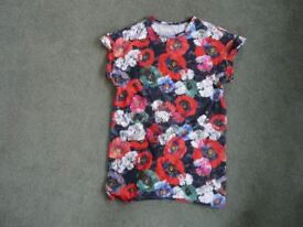 TOPSHOP Size 8 flowery top.