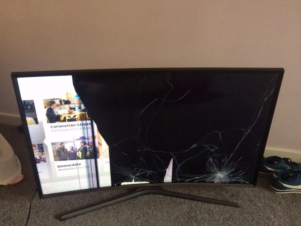40in curve Samsung smart tv. BROKEN LCD. Spairs & repairs