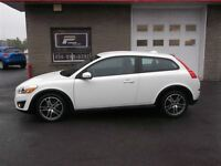 2011 Volvo C30 T5 AUTOMATIQUE BLANCHE SPORT PACKAGE 65,000KM!!