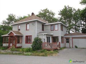 120 000$ - Maison 2 étages à vendre à Baie-des-Sables