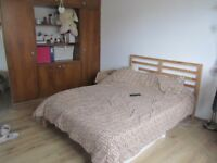 Spacious 3 bedroom flat with garden, Golders Green, NW11
