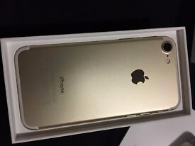 IPHONE 7 32GB GOLD LOCKED ON O2 FOR IPHONE 7 PLUS ONLY