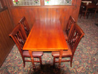 SOLID WOODEN RESTAURANT TABLE & 4 MATCHING CHAIRS