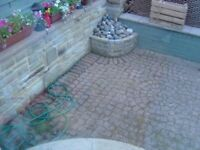 APPROX. 24 SQUARE METRES OF BRADSTONE RUSTIC RED CARPET COBBLES INCLUDING 6 FULL CIRCLES