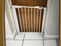Lindam gate for doorways/stairs