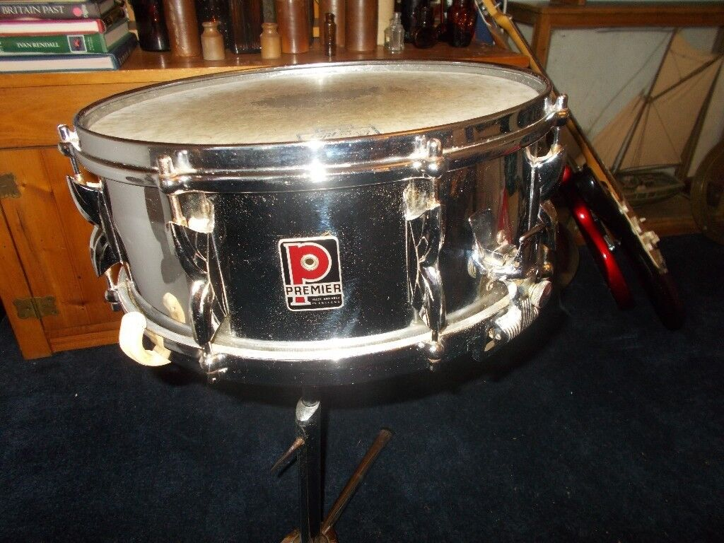 PREMIER 2000 SNARE DRUM IN GREAT CONDITION