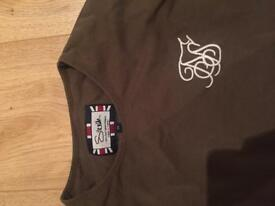 Long sleeved siksilk olive T shirt size s