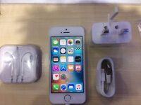 IPHONE 5S WHITE/ UNLOCKED / 32 GB/ VISIT MY SHOP. / GRADE A/1 YEAR WARRANTY + RECEIPT