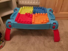 Mega blocks building bricks blocks toddler baby child toy table