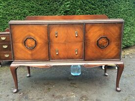 SOLD** Beautiful buffet or sideboard in walnut - vintage / antique style. Very good condition