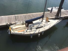 Trapper 300. 26ft (8m) fin keel 5 berth Sailing boat.