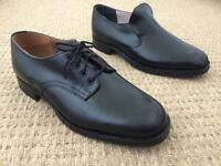 Mens black shoes / trainers £500 for 171 pairs.