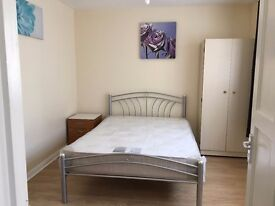 large Double room available for Couple £145 per week