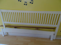 White SUPER king size bedframe and lattice. Very good condition