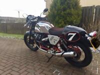 Moto GUZZI V7 Racer only 850 miles