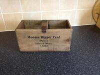Wooden crate / trug