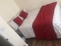 3 LARGE BEDROOMS FOR RENT - £400 p/m