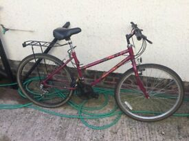 LADIES MOUNTAIN BIKE (RIDES LOVELY) ALL WORKING FINE, SERVICED WELL, GREAT BIKE TO TRAVEL ABOUT ON)