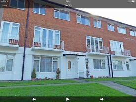 2 bedroom flat + garage in Beckenham