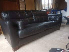 3 seater black leather sette