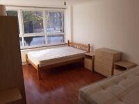 HUGE TWIN ROOM IN REFURBISHED FLAT