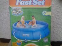 10ft SWIMMING POOL AS NEW £60