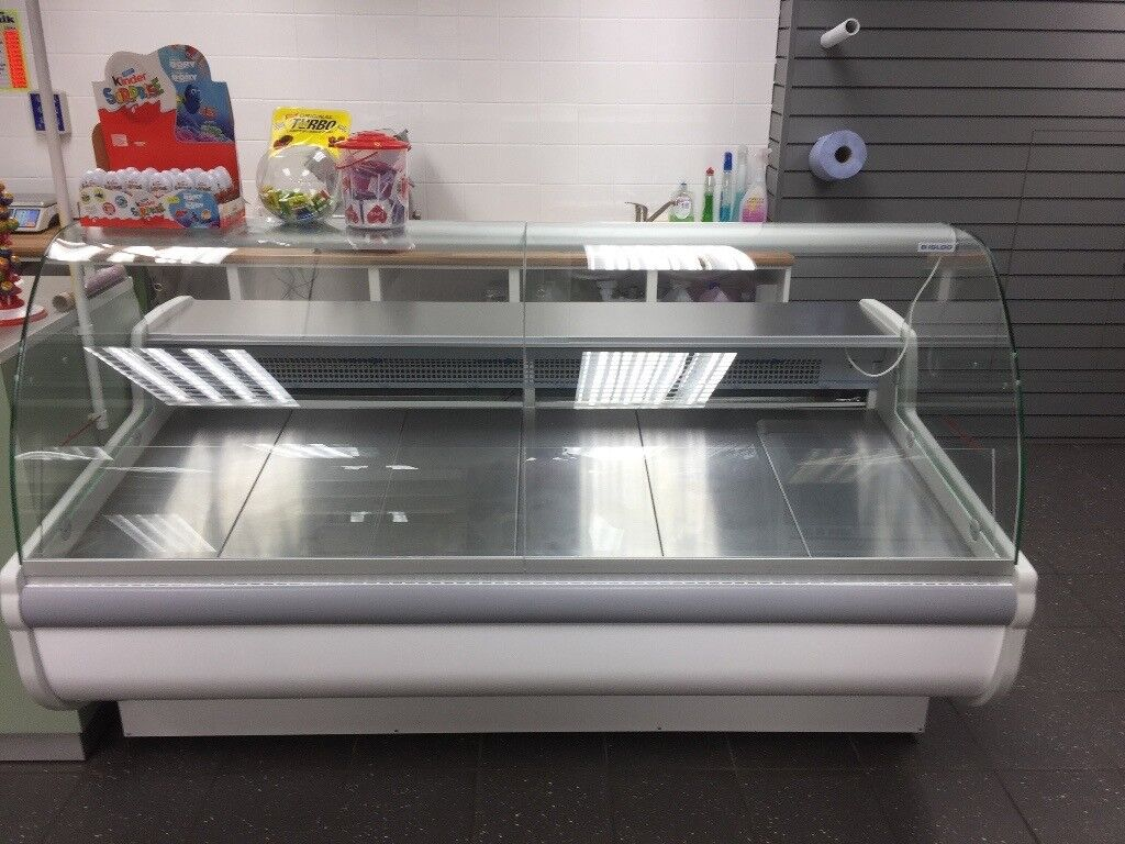 2.0m Curved Glass Serve Over Counter