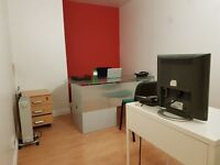OFFICE SPACE TO RENT - THAI MASSAGE / OFFICE SPACE / STORAGE / PHOTOGRAPHIC STUDIO