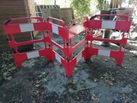 4 PIECE SAFETY BARRIER - 1M HIGH X 740 WIDE - CASH ON COLLECTION