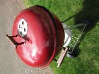 Weber® Original Kettle™ 57cm Crimson Charcoal BBQ - Weber® Original Kettle™ 57cm Red Charcoal BBQ.