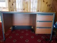 Computer desk table