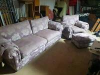 Beautiful dfs suite free delivery in York easingwold and thirsk