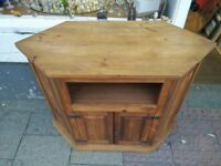 CORNER WOODEN TELEVISION TV STAND UNIT CUPBOARD