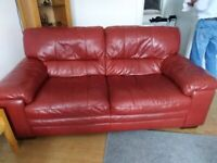 FANTASTIC CHERRY RED LEATHER SUITE - 2 SEATER & 3 SEATER & STORAGE POUFEE - COLLECTION GRANGEMOUTH