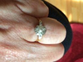Unique vintage ring from 1950 gold platinum diamonds
