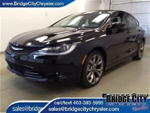 2016 Chrysler 200 S- *Demo Unit* Leather, Heated Seats, Pano Sun