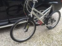 GIANT BOULDER DUO SHOCK,FULL SUSPENSION MOUNTAIN BIKE
