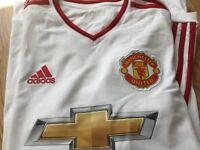 Men's Manchester United Football Top Size S (Schneiderlin)