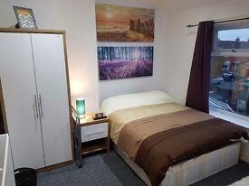 Double Room in lovely refurbished houseshare with garden and parking - All bills Included