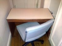Move Out Sale: Table and Chair In Excellent Condition