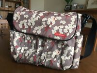 Skip Hop Dash Deluxe Changing Bag Cherry Blossom