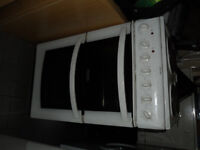 HOTPOINT NEW ELECTRIC COOKER MODEL EW34 NEVER BEEN USED OR PLUGGED IN PACKAGING REMOVED DELVIER MCR