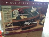 Cheese fans! Delight your dinner guests with this amazing cheese set!