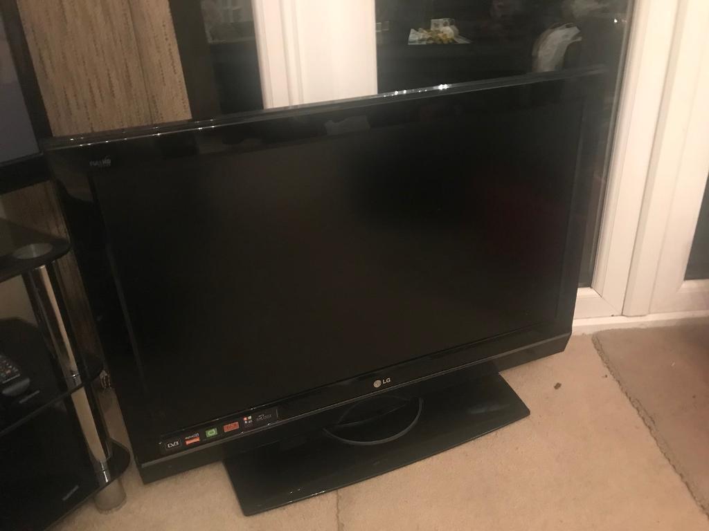 """LG 37"""" HD digital TV"""