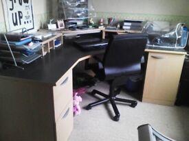 Office furniture unit