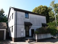 Truro Central, 2 bedroom flat, recent new kitchen & bathroom, allocated parking, new carpets
