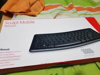 Microsoft T9T-00008 Sculpt Mobile Wireless Keyboard English,QWERTY UK Layout NEW