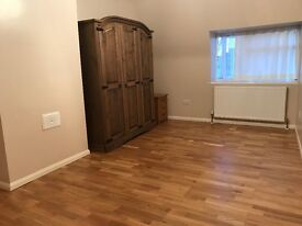 DOUBLE ROOM TO LET IN DARTFORD £550
