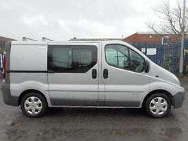 FINANCE AVAILABLE !! NO VAT!! stunning 6 seat renault traffic crew van with only 76k